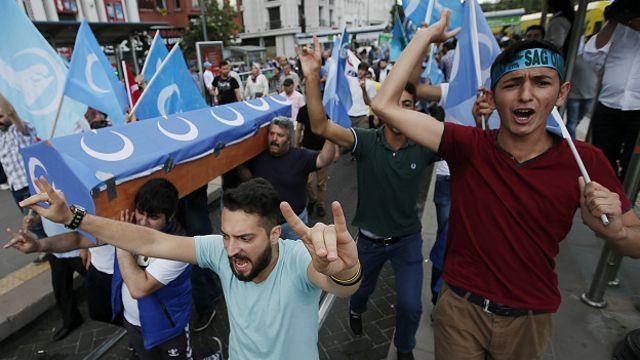 在土耳其的維吾爾人示威聲援新疆維族人2015年7月