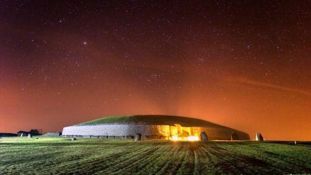 Облака и звезды над Ньюгранжем