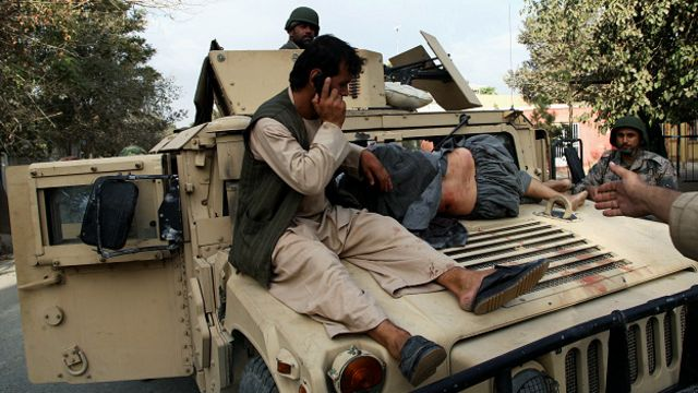 El gobierno afgano asiste a los heridos