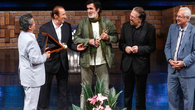 حبیب جایزه ناصر فرهودی را اهدا کرد