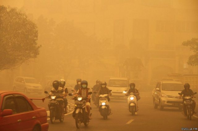 Kabut asap menyelimuti Kota Palangkaraya, Kalimantan Tengah, beberapa waktu lalu.