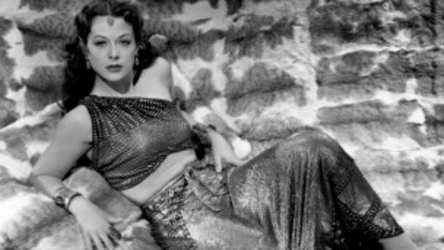 """Hedy Lamarr: """"Es fácil ser glamurosa. Lo único que tienes que hacer es quedarte quieta y parecer estúpida"""". Era ingeniera, además de actriz."""