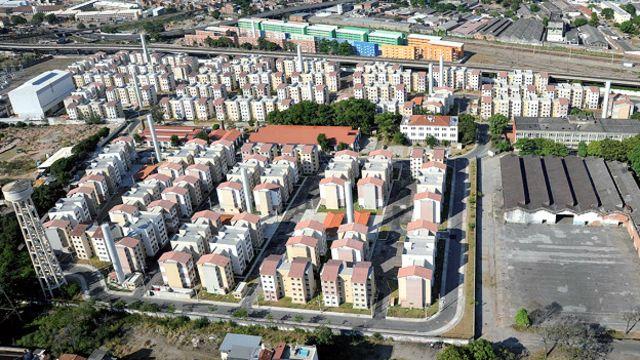 'Bairro-modelo' do Minha Casa Minha Vida no Rio e planejado para 11 mil pessoas, o Bairro Carioca, na zona norte, sofre com enchentes, problemas estruturais e ação de traficantes