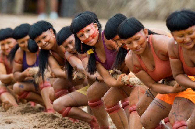 Tug-of-war. El juego de la cuerda, soga o simplemente el tradicional tira y afloja pone a prueba de la fuerza y coordinación de la tribus.