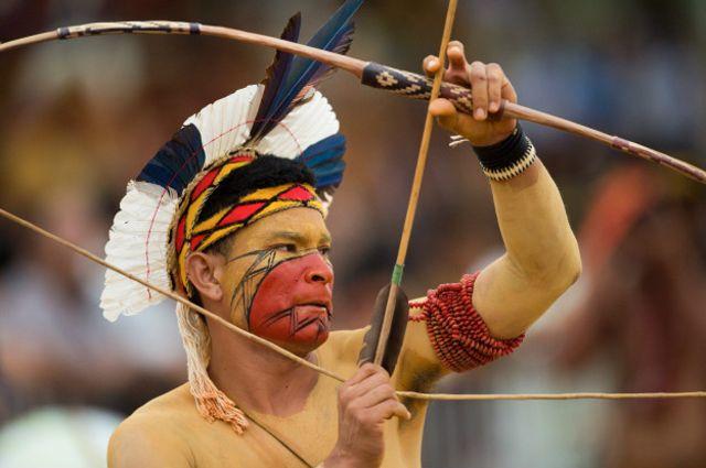 El arco y flecha en su manera más original también forma parte de los Juegos que se extenderán  hasta el próximo 31 de octubre.