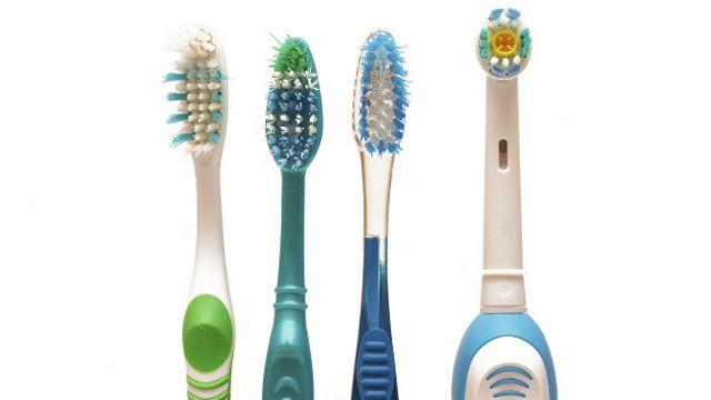 La investigación asegura que el 80% de los cepillos de dientes examinados tienen millones de microorganismos.