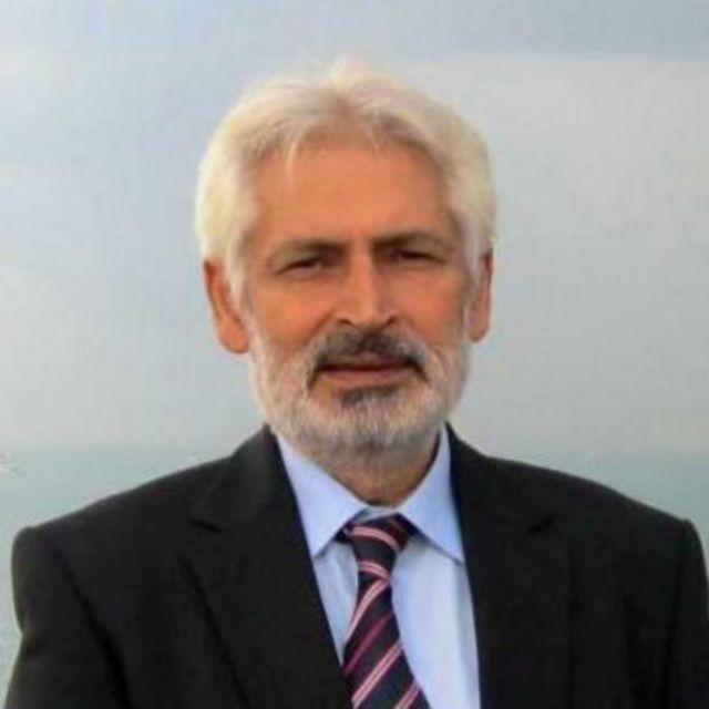 کتاب کے مصنف غلام قادر خان دواڑ