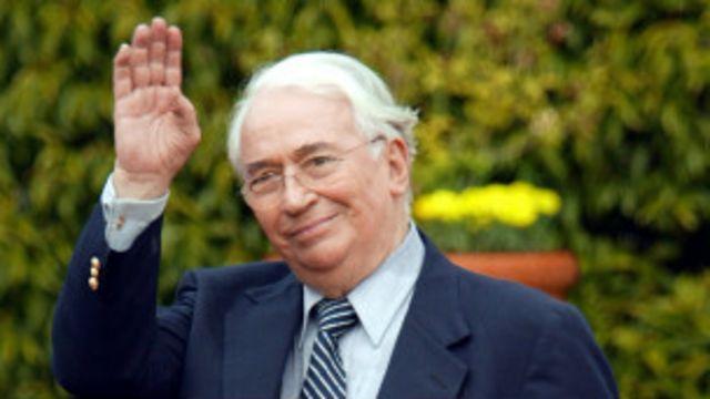 Belisario Betancur en 2004