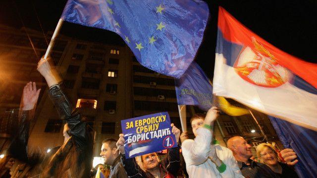 В 2008 году Сербия проголосовала за вступление в ЕС, однако сейчас она не поддерживает санкции ЕС против России