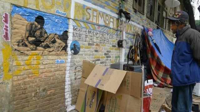 Projeto 'The ArtFabric' busca resgatar autoestima de moradores de rua levando arte para comunidades marginalizadas (Crédito: http://www.theartfabric.com/)