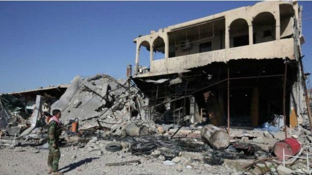 """كانت بلدة سنجار سقطت في أيدي تنظيم """"الدولة الإسلامية"""" في أغسطس / آب 2014"""