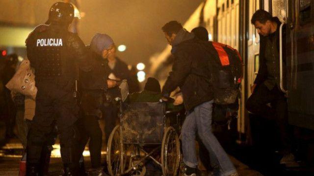 یک شاهد عینی گفته است که صدای بیش از صد شلیک را شنیده است