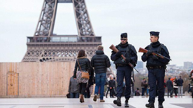 برج ایفل و دیگر مراکز توریستی پاریس همچنان تعطیل هستند