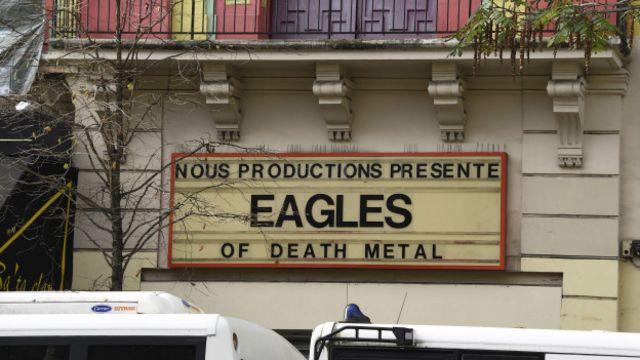 Paris'teki Bataclan tiyatrosu, bir konser sırasında saldırıya uğradığı için kalabalıktı.