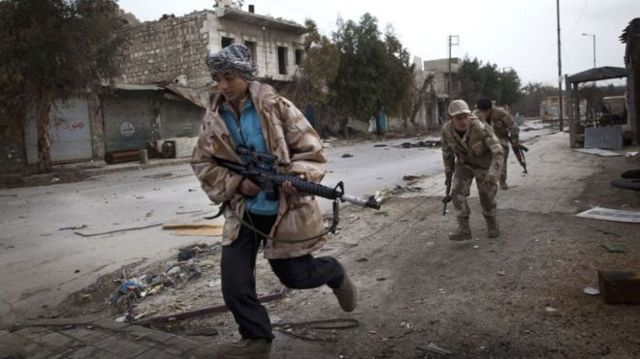 شورشیان ترکمان در شهر حلب در شمال سوریه، سال ۲۰۱۳