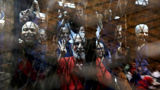 En 2013, los Hermanos Musulmanes, la organización del depuesto presidente egipcio, Mohammed Morsi, fue declarada terrorista, después de haber sido proscrita, en medio de una de las peores crisis que ha enfrentado el movimiento en sus más de 80 años.