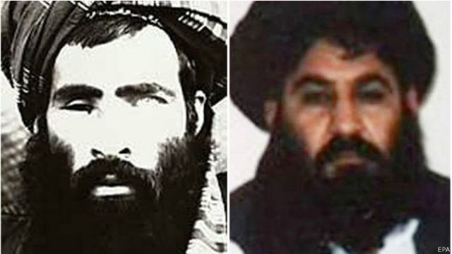 آن طور که گفته میشود ملا منصور (راست) بعد از مرگ ملا محمد عمر (چپ) رهبری طالبان را بر عهده گرفته بود