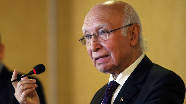 سرتاج عزیز نے کہا کہ نے کہا کہ پاکستان نے ابھی تک اس اتحاد کے معاہدے پر دستخط نہیں کیے