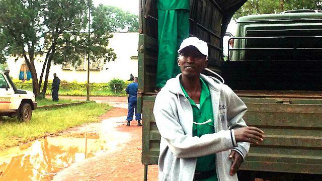 Janar Ndayirukiye ya ce ana kuntata masa a kurkuku