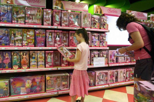 Hello Barbie está programada con más de 8.000 líneas de diálogo y 20 juegos interactivos.
