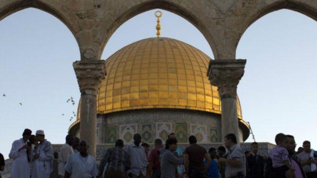 耶路撒冷圆顶清真寺(Dome of Rock)的晨祷(图片来源:AFP/Getty Images)