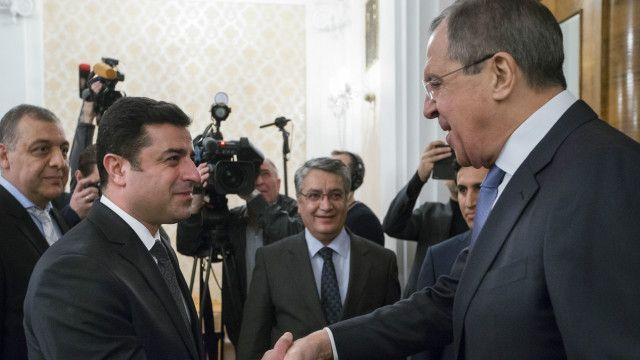 Rusiyanın xarici işlər naziri Sergey Lavrovla görüşən Selahattin Demirtaş Rusiya ilə əlaqələrin korlanması əleyhinə olduğunu deyib.