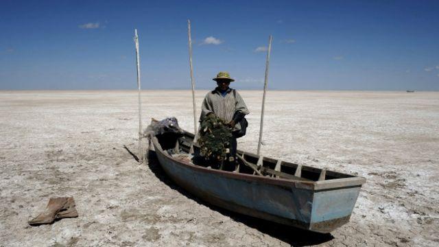 Pescador en el Poopó