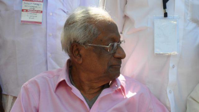 ஏ பி பரதன் 60 ஆண்டுகளுக்கும் மேலாக அரசியலில் ஈடுபட்டிருந்தார்.