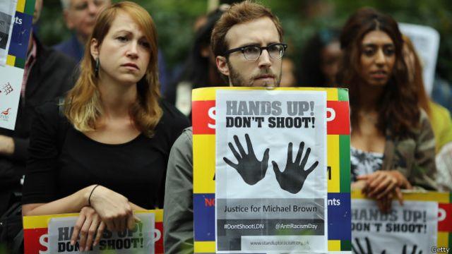 En Reino Unido han muerto menos personas a manos de la policía que en Estados Unidos, según un informe del FBI.