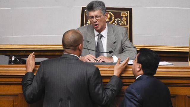 La medida fue adoptada por la Asamblea Nacional de Venezuela, de mayoría opositora.