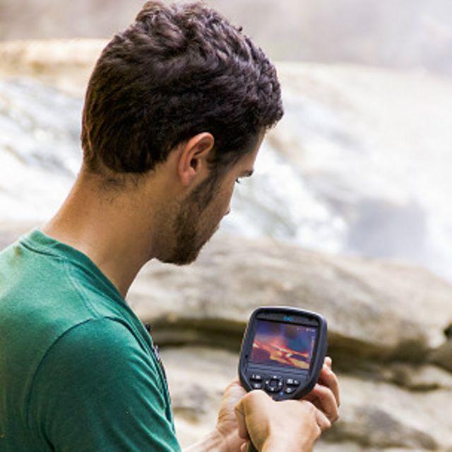 Ruzo es un explorador de National Geographic, y desde que encontró el río lo ha estado estudiando.