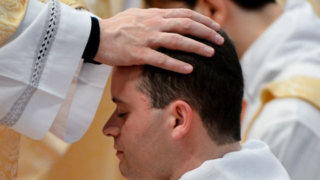 Ordenación de clérigos