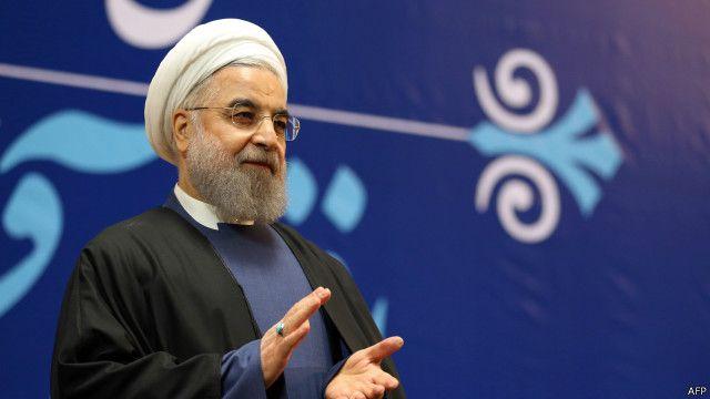 تلقى روحاني إشادات بعد توقيع الاتفاق النووي، وإنهاء أزمة مع الغرب استمرت لسنوات