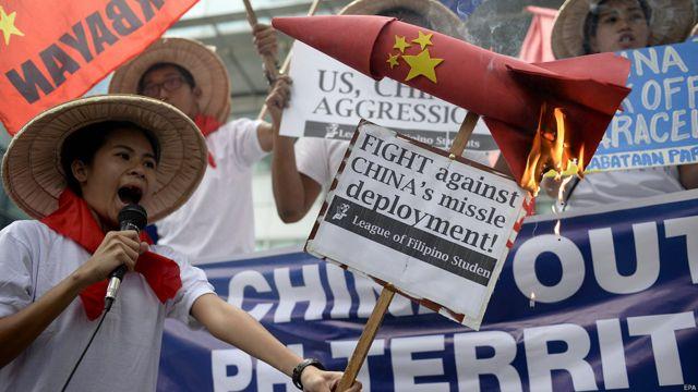 Người Philippines biểu tình phản đối Trung Quốc triển khai tên lửa trên đảo Phú Lâm