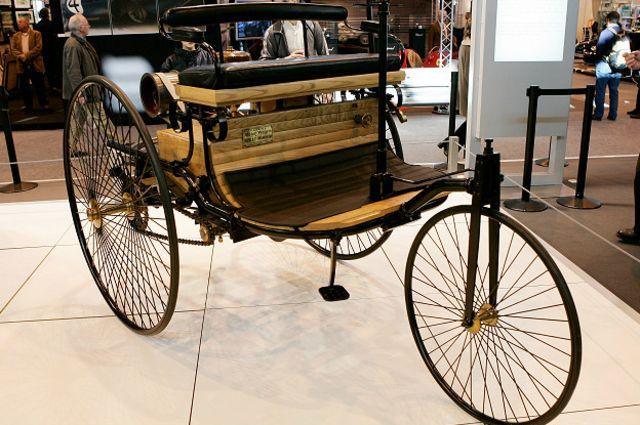 Este Motorwagen de 1886 custava na época o equivalente a US$ 26 mil.