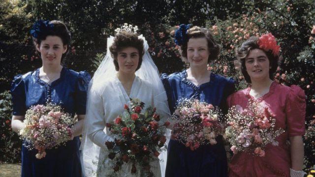Маргарет Холлей, урожденная Скотт, и ее подружки  - Филлис, Ирис и Мэри, июль 1945 года
