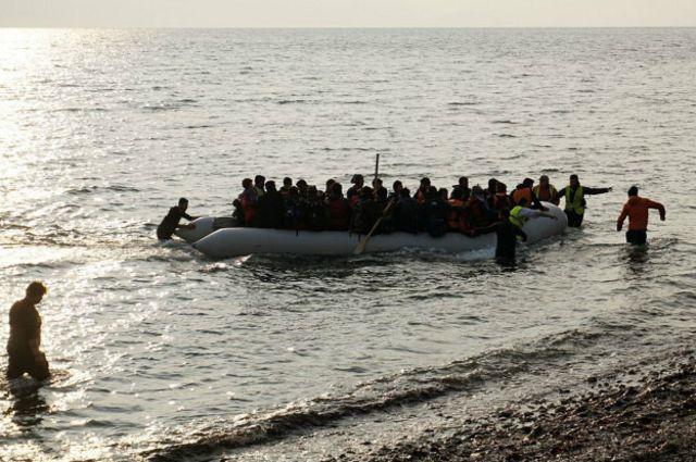 Мигранты стремятся попасть в европейские страны по морю, несмотря на опасности