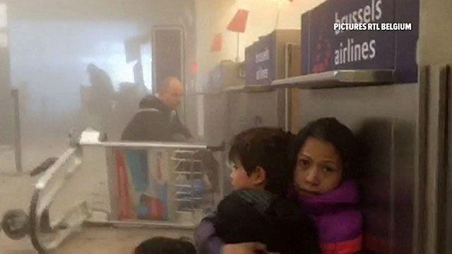 مسافران فرودگاه بروکسل در صحنه انفجار