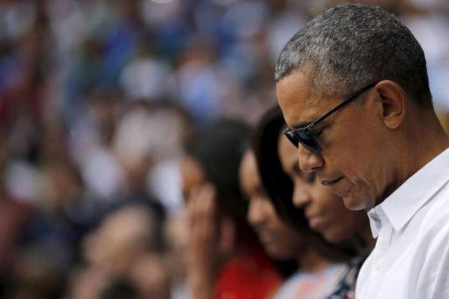 ادای احترام رئیس جمهور آمریکا به قربانیان در جریان سفر کوبا