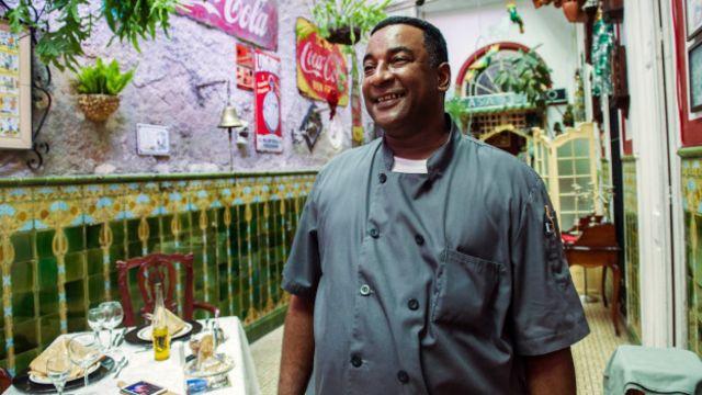 Carlos Cristóbal Márquez ha tenido gran éxito con su paladar San Cristóbal, en el barrio de Centro Habana.