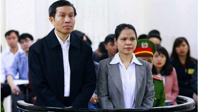 Tại phiên xử blogger Nguyễn Hữu Vinh (Anh Ba Sàm), nhiều người dân và một dân biểu Đức không được tham dự