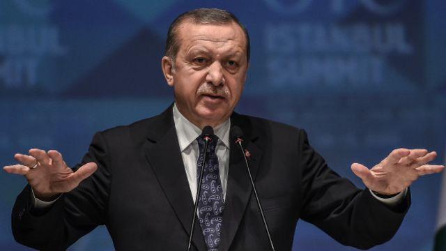 """New York Times, """"Erdoğan şimdiden kazanmış sayılır. Kendisini eleştiren kişiyi susturmayı başardı"""" diyor."""