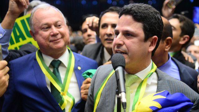 Araújo  deu o voto decisivo para avanço do processo de impeachment em votação na Câmara