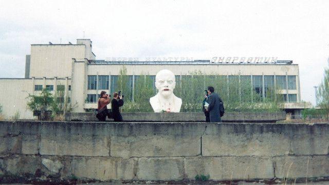 """Всі, з ким я говорила, згадують Прип'ять як місто-мрію, але КДБ доповідало і про """"антисанітарні умови"""" при його будівництві"""