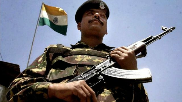 भारत और पाकिस्तान एक दूसरे पर हथियारों की रेस को बढ़ाने का आरोप लगाते हैं