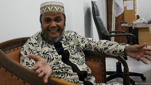 Mubarok Ba' Muallim, pimpinan Sekolah tinggi Islam Ali ibn Abi Thalib, Surabaya.