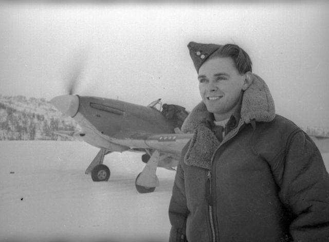 """Летчик Чарльтон Хоу за время операции """"Форс Бенедикт"""" сбил три немецких истребителя"""