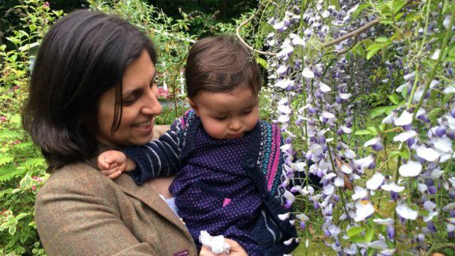 خانم زاغری همراه فرزندش به ایران سفر کرده بود