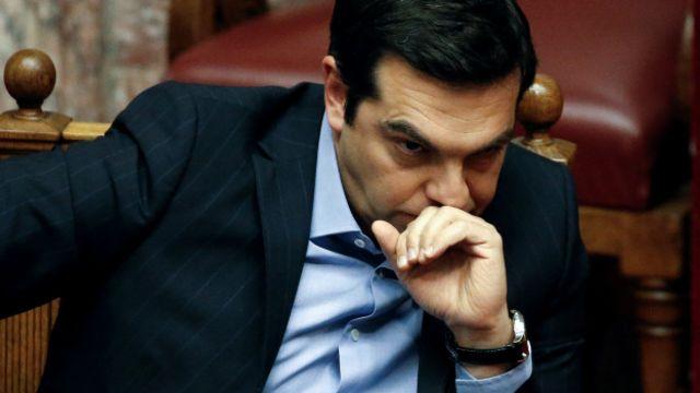 Başbakan Tsipras, dün meclisteki kemer sıkma görüşmeleri sırasında gelen tepkilere karşı ülkenin neden IMF'nin taleplerini yerine getirmek zorunda olduğunu anlattı, tedbirleri savundu.