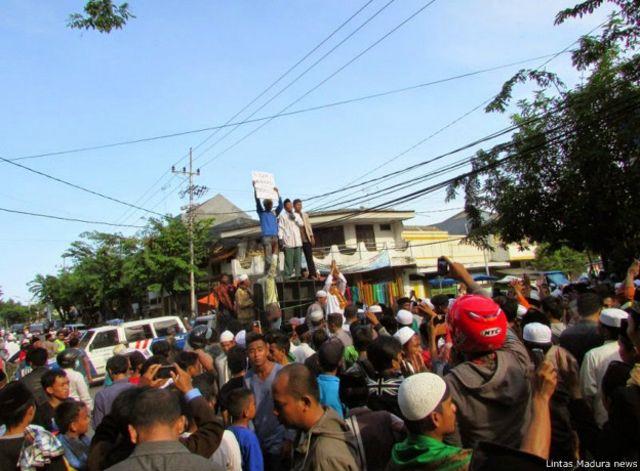 Unjuk rasa 'anti Wahabi' di Pamekasan, Madura, awal Maret 2015.